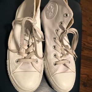 Converse size 8 woman leather sneakers